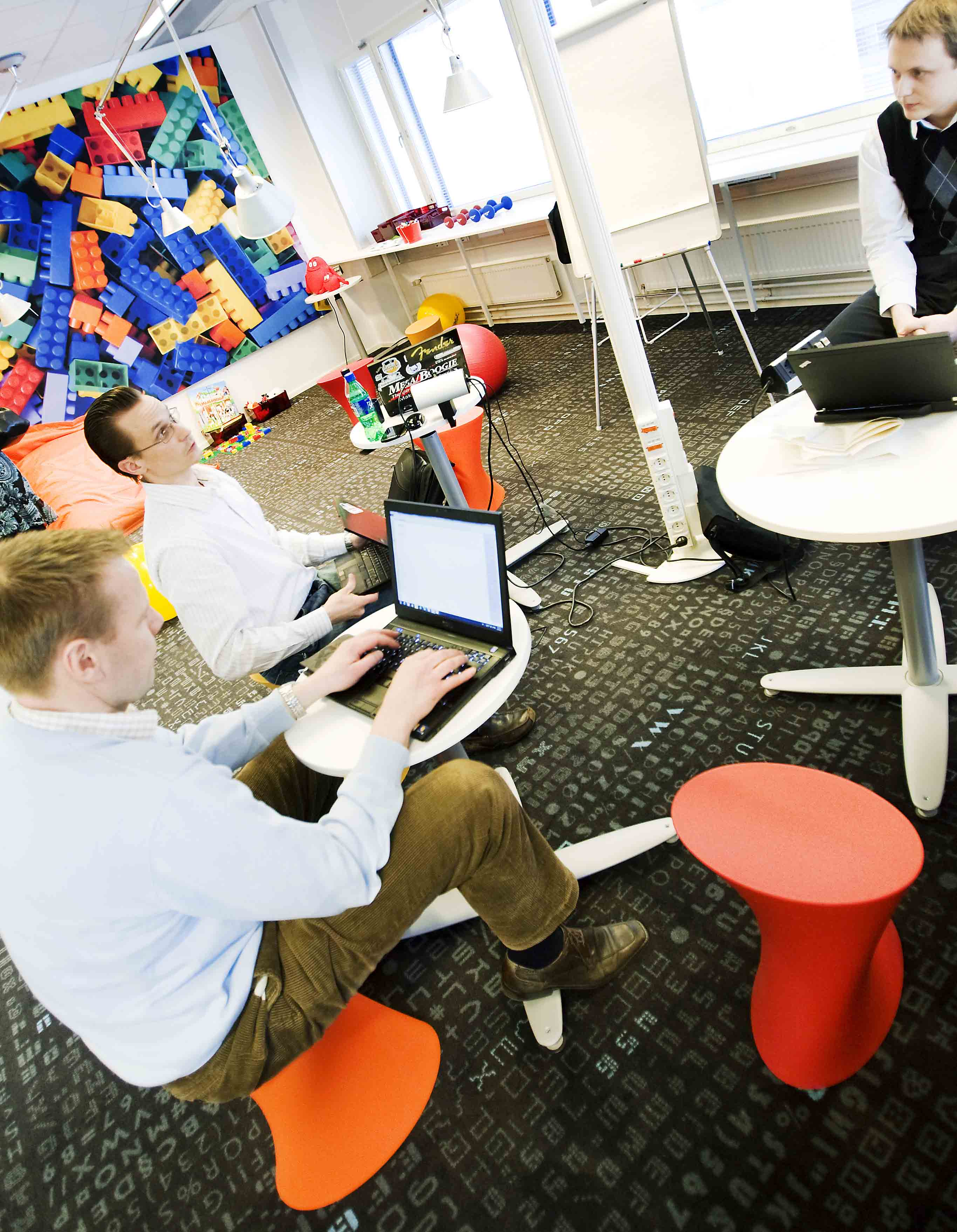 The right use of space improves office work