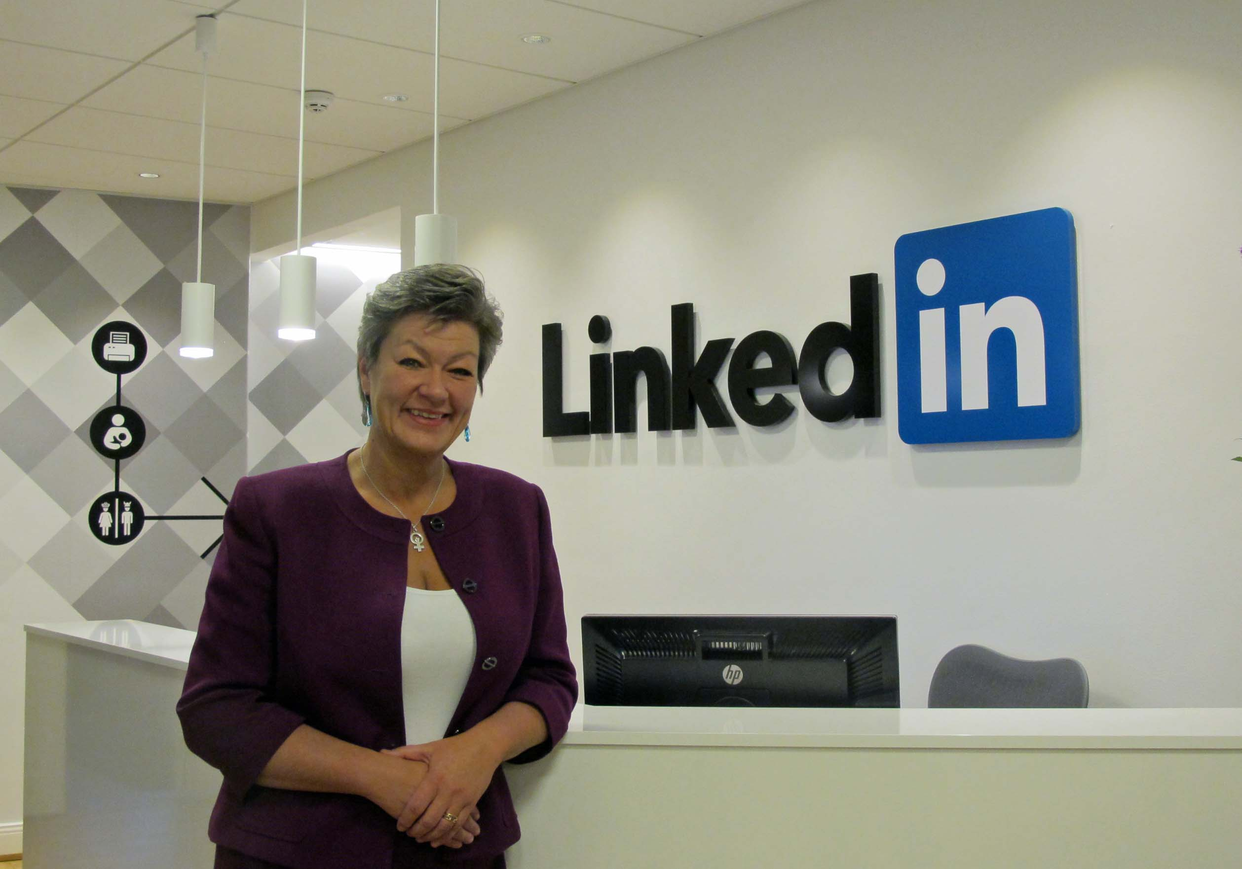 """LinkedIn can complement the  employment service"""