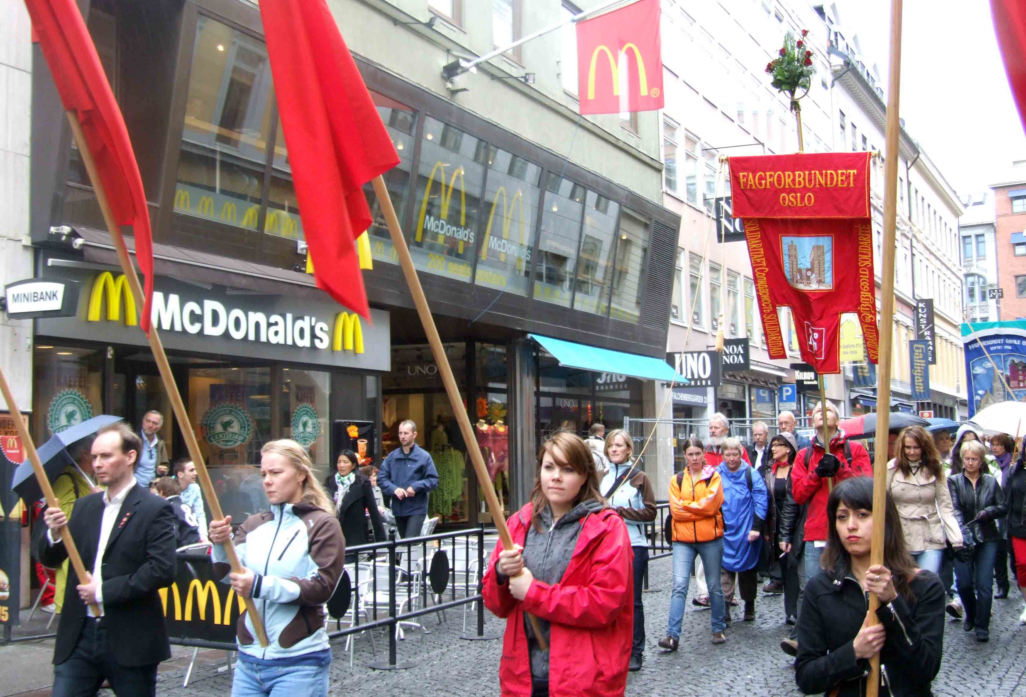Spread of franchises weakens unions